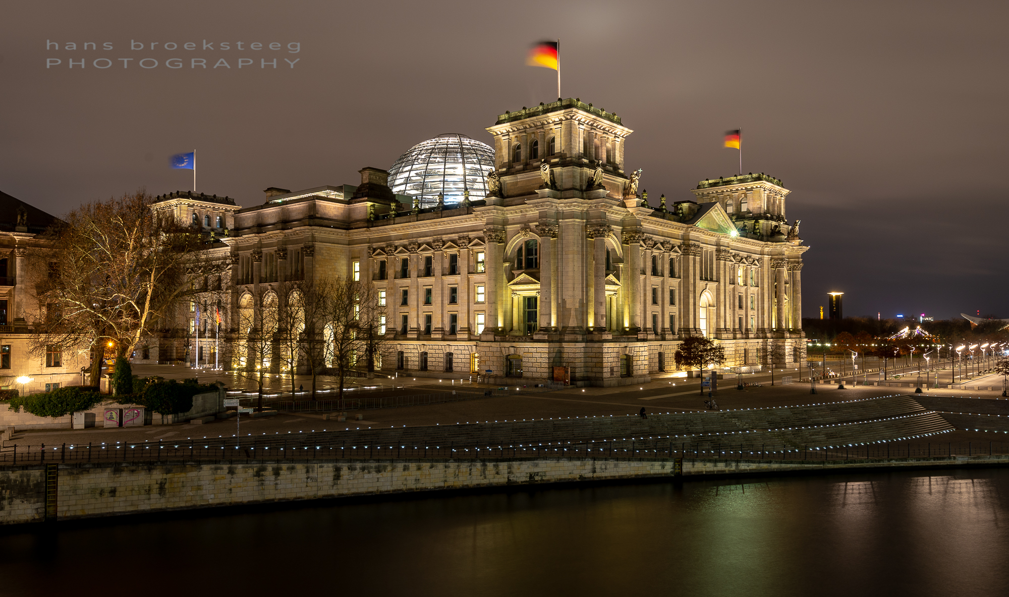 Evening shot of the Reichstag in Berlin, Germany